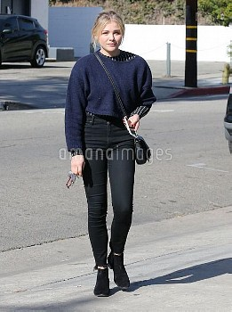 Chloe Grace Moretz Stops By A Hair Salon In West Hollywood