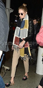 Gigi Hadid,Gigi Hadid Arrives In London 163721