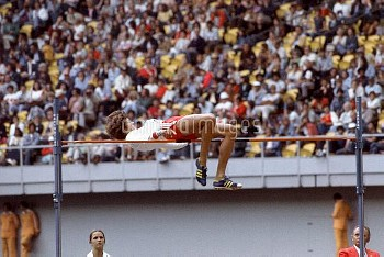 Poland's Jacek Wszola clears the bar on his way to winning gold