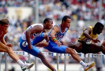 Great Britain's Colin Jackson (second l) in action in his semi final