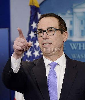スティーブン・ムニューチン(Steven Mnuchin)=米長財務長官 Treasury secretary Steven Mnuchin speaks in the Press Briefing