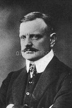 """JEAN SIBELIUS in 1913 Johan Julius Christian """" Jean """" / """" Janne """" Sibelius  8 December 1865 – 20 Sep"""