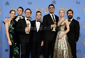 Carly Chaikin, Martin Wallstrom, Christian Slater, Rami Malek, Sam Esmail, Portia Doubleday and Chad