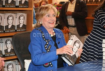 Hilary Rodham Clinton signs copies of her book entitled 'Hard Choices' at Bookhampton  Featuring: Hi