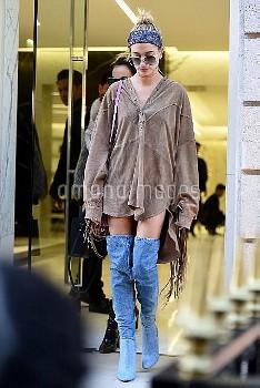 Hailey Baldwin goes shopping during fashion week in ParisFeaturing: Hailey BaldwinWhere: Parigi,