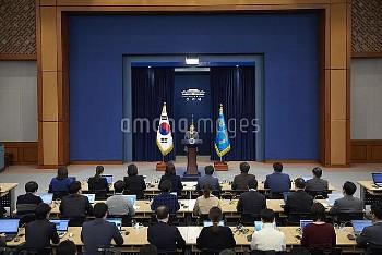 韓国・朴槿恵大統領、任期満了前に辞任を表明