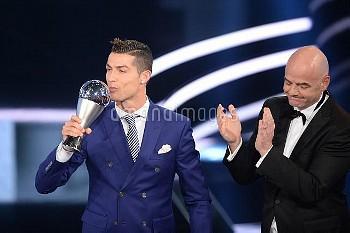 クリスティアノ・ロナウド、2016年FIFA年間最優秀選手に選出