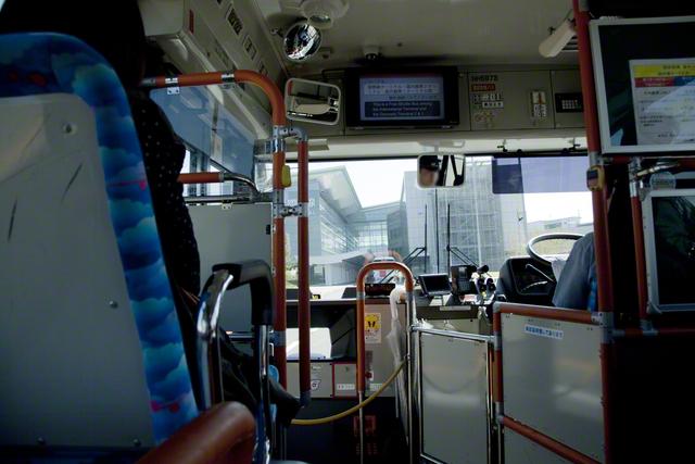 バスの中で赤ちゃんがぐずり始めた…!そんな時の運転手さんの行動にほっこり♡まとめの画像3