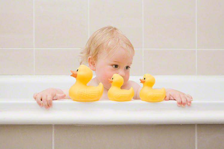 赤ちゃんのお風呂におすすめグッズ15選!親子で楽しめる人気のおもちゃもご紹介の画像1