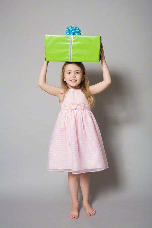 【4歳の女の子】楽しみながら成長できる誕生日プレゼント15選のタイトル画像