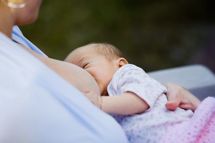 【赤ちゃんの胃のサイズはさくらんぼ?!】…産後のおっぱいと赤ちゃんに隠された秘密とは?のタイトル画像