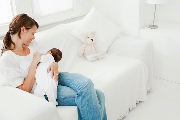 もしもの時のために知っておきたい。哺乳瓶がなくてもミルクをあげられる方法のタイトル画像