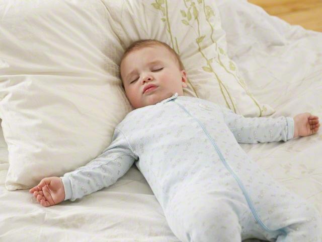 かわいい…。Twitterで「#我が子の電池切れ画像」と検索すると幸せになれるのタイトル画像
