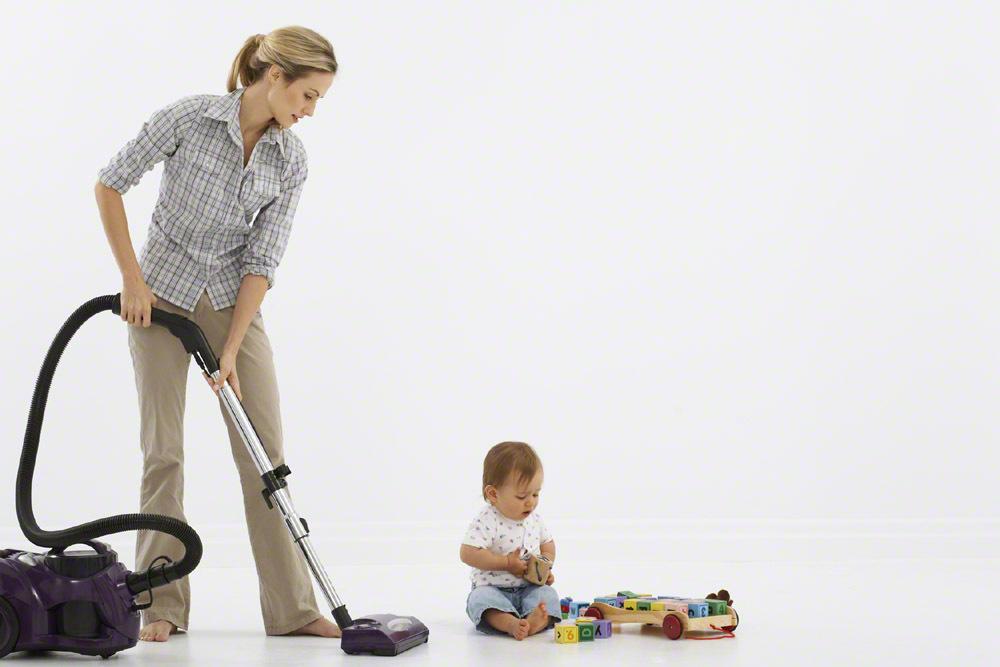 """実は掃除機より楽ちん!?ずぼらママこそ""""ほうき""""でお掃除がオススメな理由の画像1"""