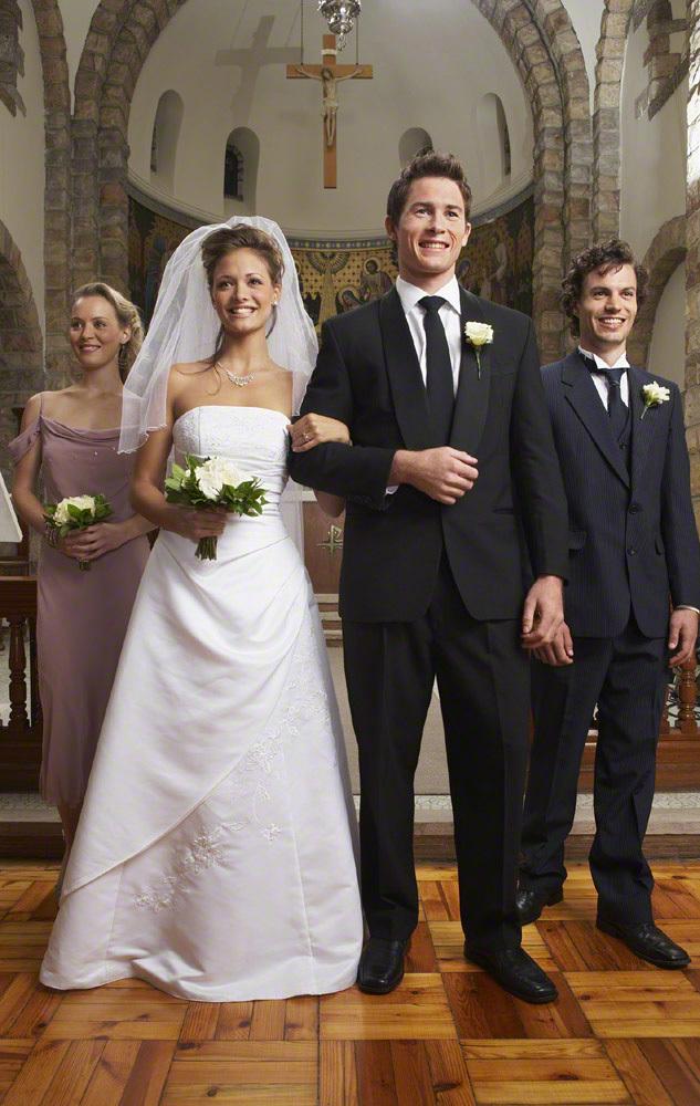 結婚式の赤ちゃんの服装・ドレスは?マナーと男女別おすすめ服・ドレス8選のタイトル画像