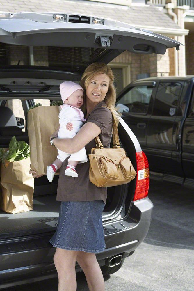 【月齢別】マザーズバッグの中身・必需品を紹介!子育てママは何を入れている?のタイトル画像