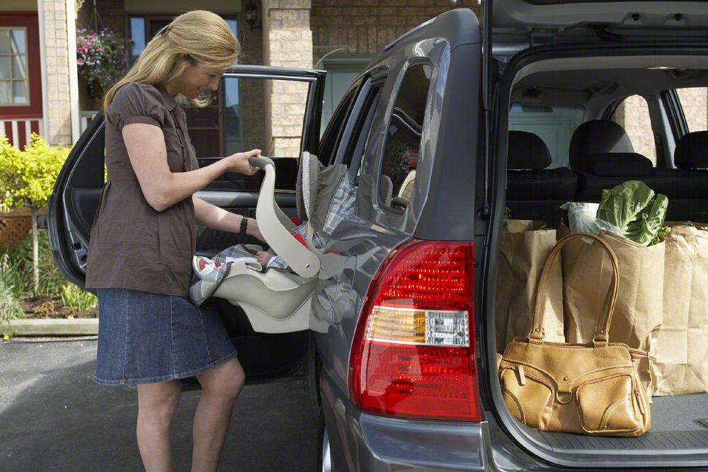 新生児のチャイルドシートの乗せ方伝授!車での移動時の注意点もの画像6