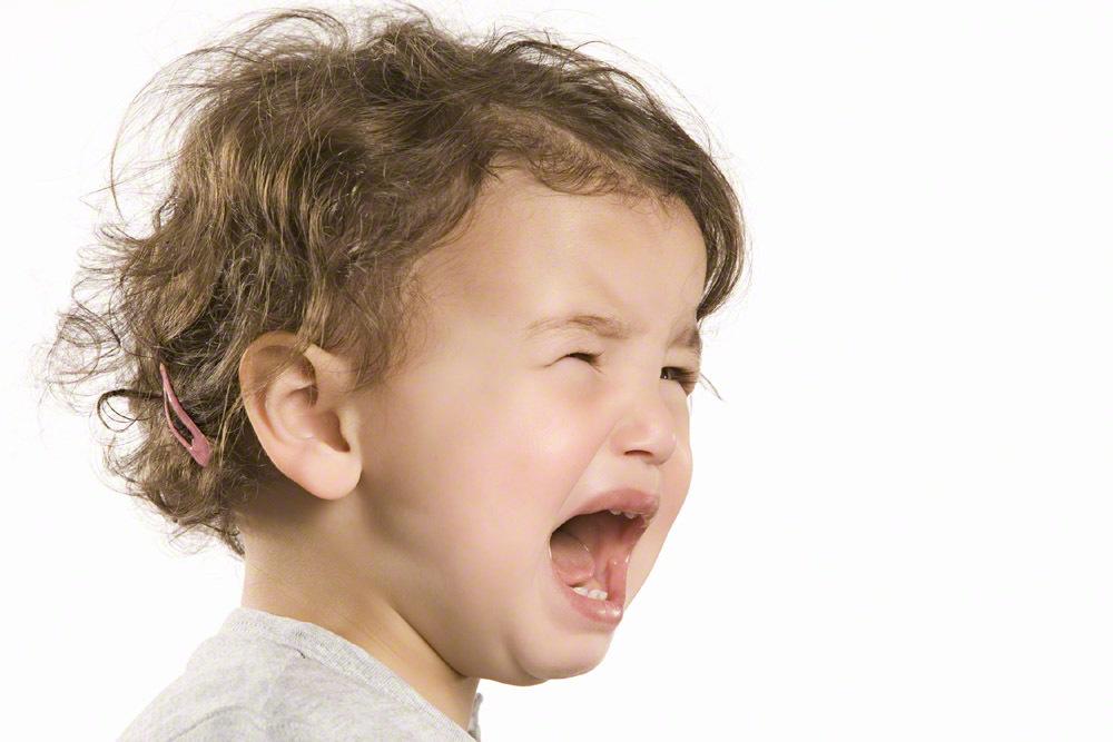 毎朝、保育園の玄関で大泣き!上手にお別れする方法とは?のタイトル画像
