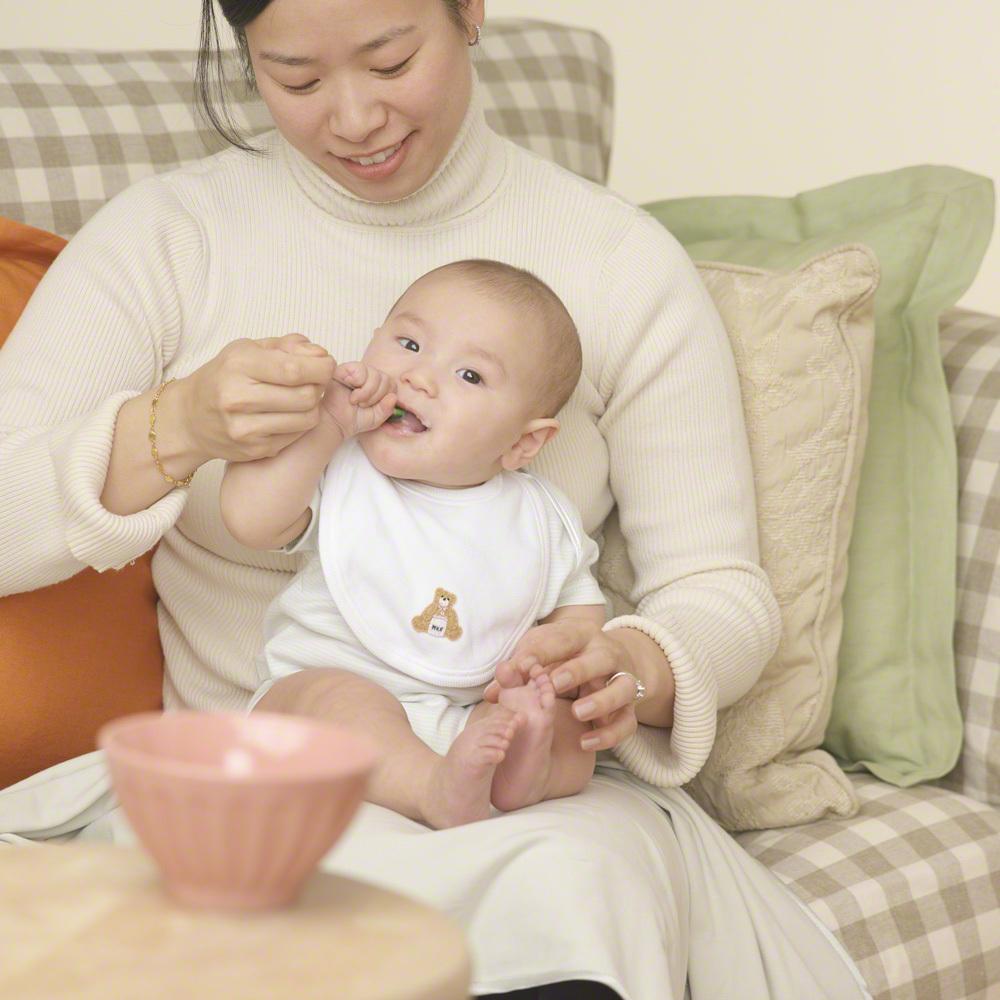 離乳食食器の人気のおすすめ材質別15選!木や陶器の違いは何?のタイトル画像