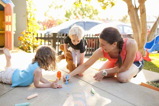 【2歳~5歳】おすすめ知育玩具9選と手作りできるものを紹介!のタイトル画像