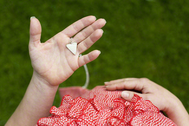 【季節別】妊娠初期の服装選び方とおすすめコーデ!のタイトル画像