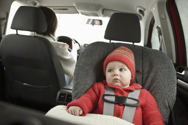 新生児のチャイルドシートの乗せ方伝授!車での移動時の注意点もの画像2
