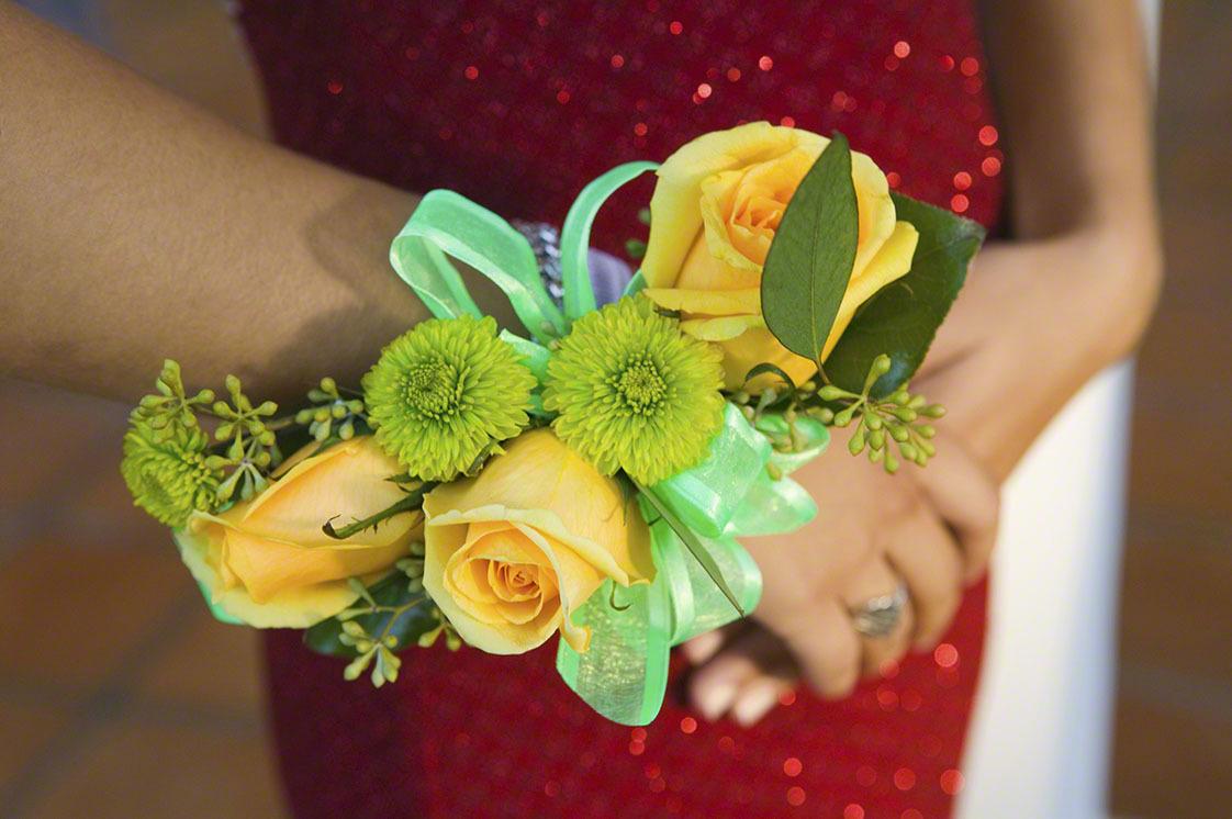 結婚式にお呼ばれ!マタニティドレスの選び方・レンタル価格・おすすめ商品9選!のタイトル画像