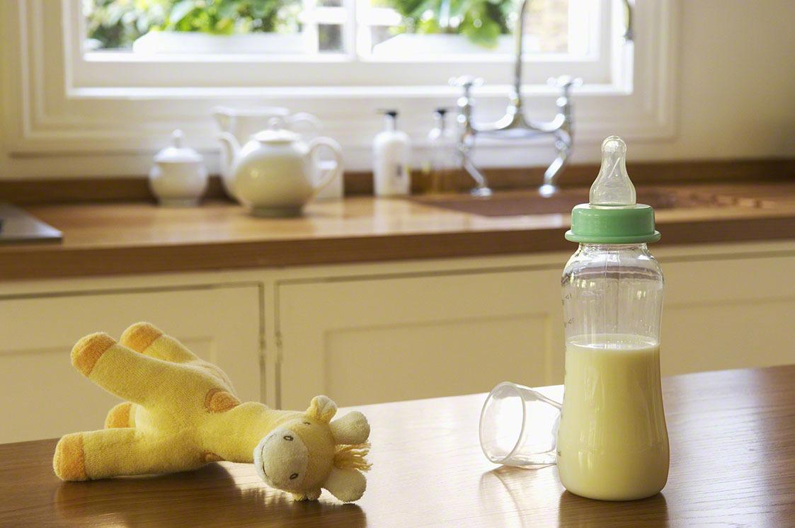 毎日のミルク作りが大変!手軽に安全なミルクを作る方法は?の画像1