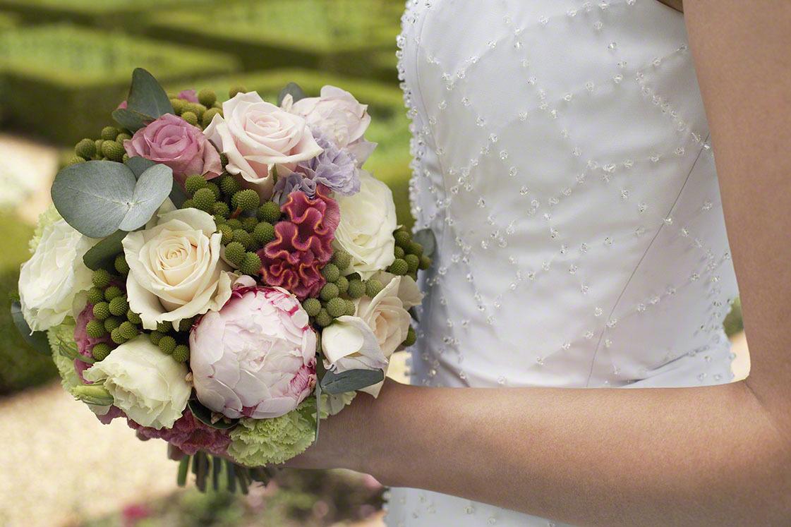 結婚式にお呼ばれ!マタニティドレスの選び方・レンタル価格・おすすめ商品9選!の画像1