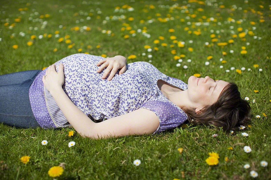 【季節別】妊娠初期の服装選び方とおすすめコーデ!の画像8