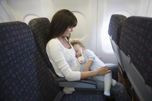 赤ちゃん連れで初めての旅行。何を用意したらいい?あると便利な持ち物を厳選紹介!の画像1