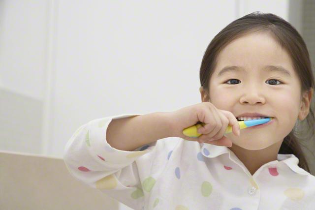 赤ちゃんにパジャマはいつから?パジャマの選び方、夏・冬ごとのおすすめ商品まとめのタイトル画像