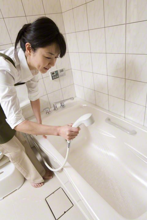 これを知っていればだいぶラクに!浴室掃除がぐーんと楽しくなる裏技の画像1