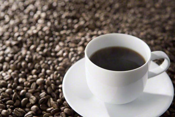 虫除けにもピッタリ!明日から試したい、「コーヒーかす」をエコ活用するアイディアのタイトル画像