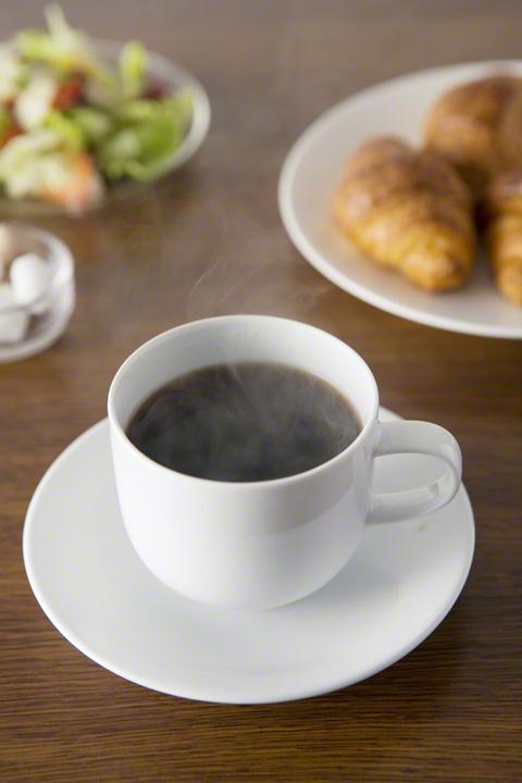 コーヒーの出し殻は捨てないで!エコに再利用できる活用術の画像1