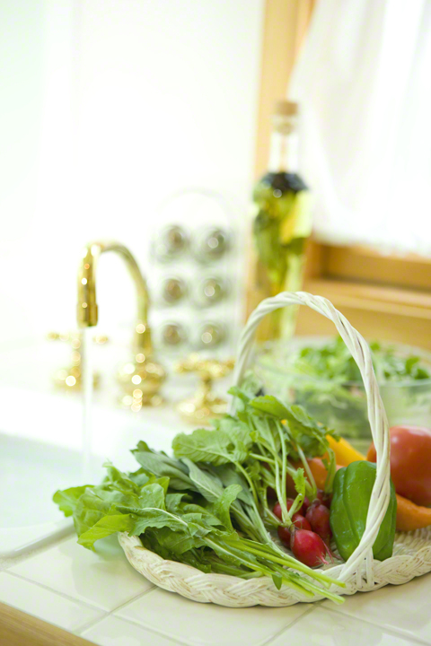 ほんのひと手間でいつもより新鮮&長持ち!野菜のオススメ保存方法のタイトル画像