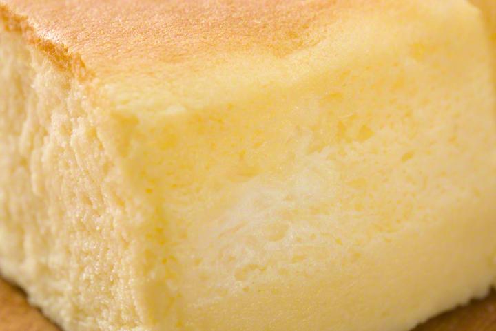 フライパン1本でしっとりシフォンケーキ♡オーブンも型もいらないお手軽レシピのタイトル画像