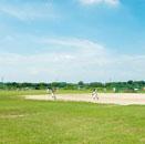 河川敷野球場の少年野球