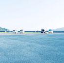 早朝の海岸駐車場