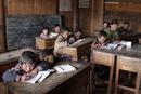 雲南省の学校で学ぶ子どもたち