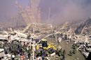 がれきと消防士 NY アメリカ 2001年9月