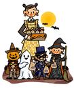 ハロウィンの夜に仮装した子供たちへお菓子をあげるお母さん