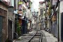 ベトナム、ハノイ旧市街の線路