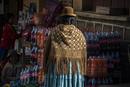 ボリビア先住民アイマラ族の民族衣装