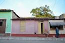 キューバのトリニダの街中に暮らす猫