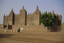 The Great Mosque, the largest dried earth building in the world, a UNESCO World Heritage site, Djenne, Mali, Africa