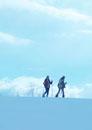 雪原に立つ2人の若者