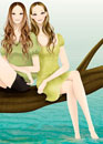 湖の畔で倒木に座る二人の女性