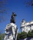 ゴヤ像とリッツホテル
