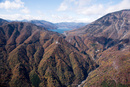 紅葉の華厳渓谷周辺より中禅寺湖
